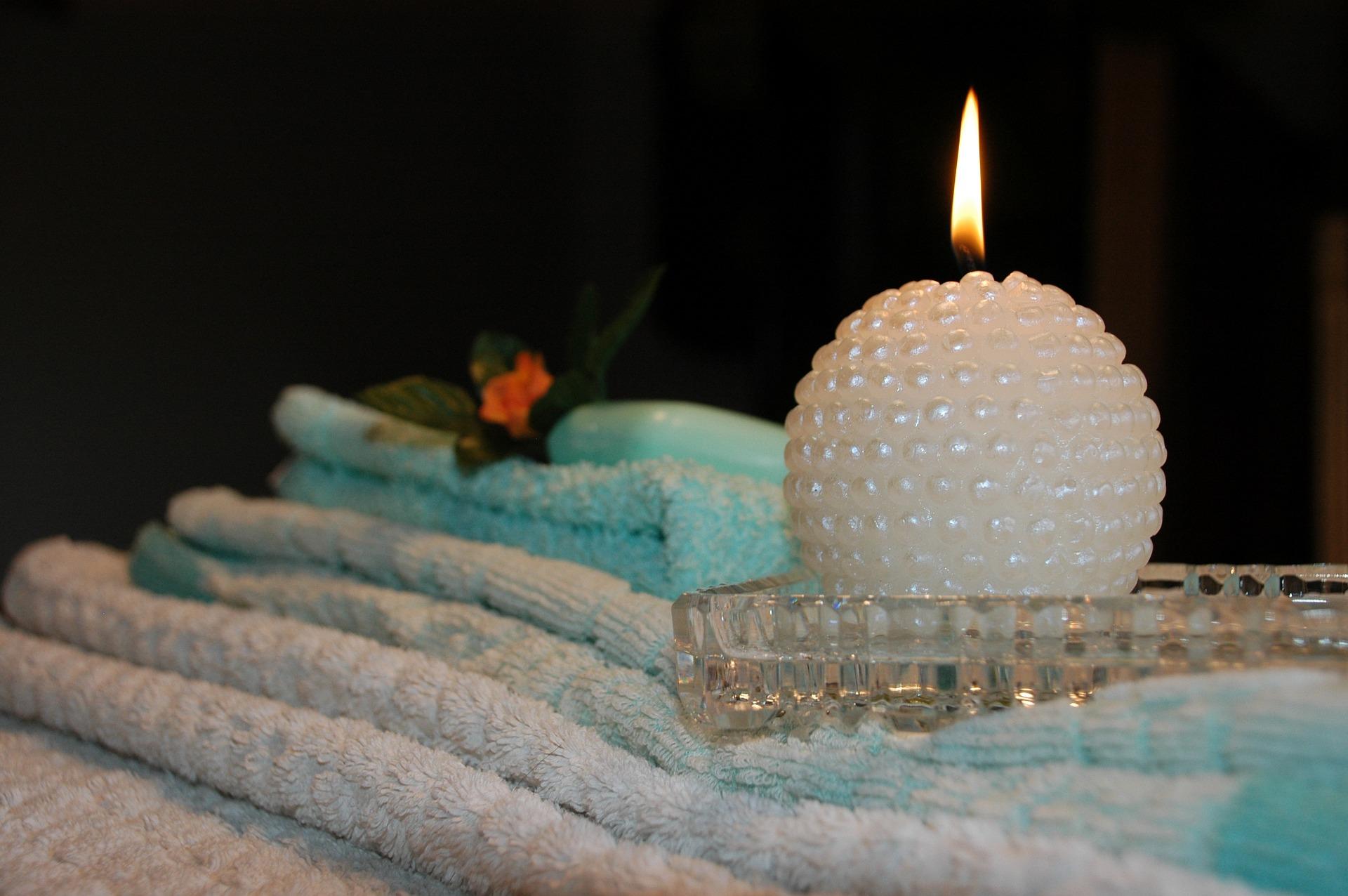 candle-807247_1920